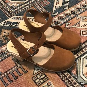 Shoes - Lotta from Stockholm tan clogs size 38
